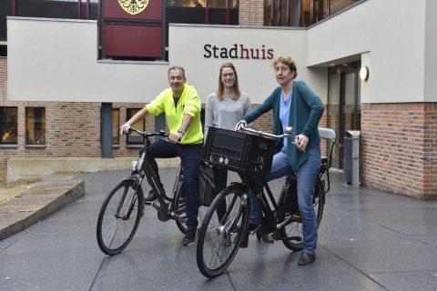Achterbankgeneratie op de fiets helpen